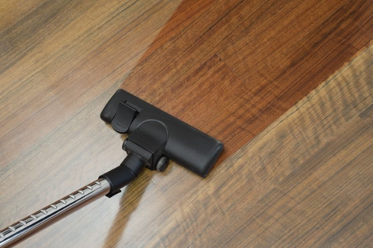 Top 10 Best Cordless Vacuum Cleaner for Hard Floors